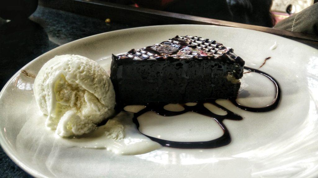 chocolate-hazelnut-slice-hotmess-connaught-place-new-delhi
